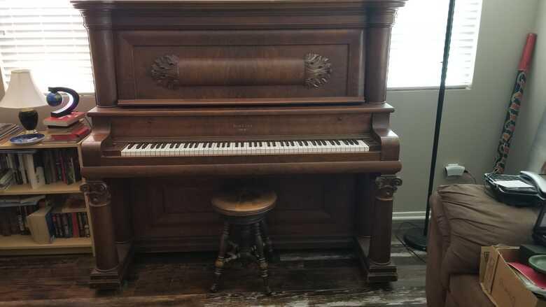 Beautiful vintage upright Bush and Lane piano