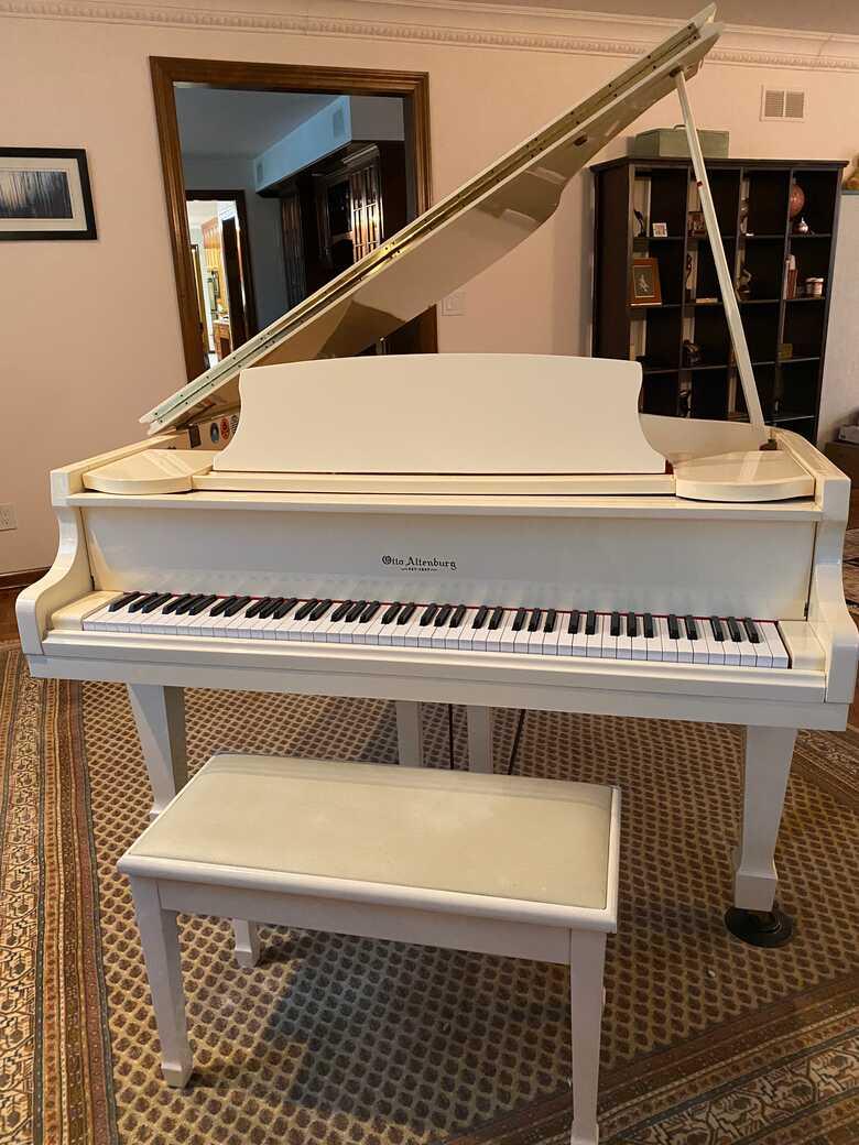 """Otto Altenburg 5'7"""" Grand Piano"""