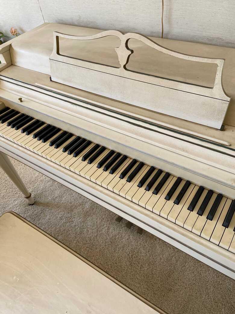 Wurlitzer 1950s piano
