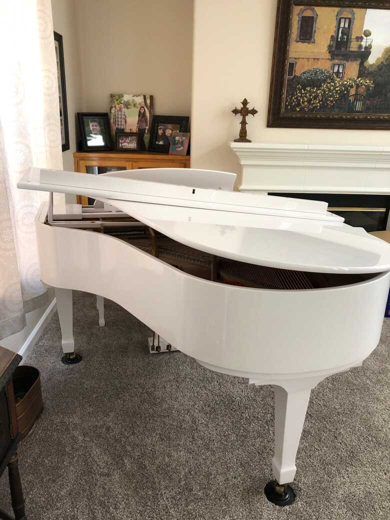SCHAFER Immaculate White Baby Grand