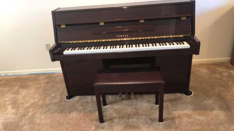 Yamaha Piano LU-11