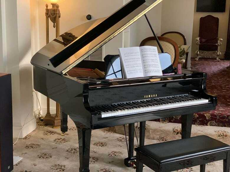 Grand Yamaha---Piano-53-with 3p