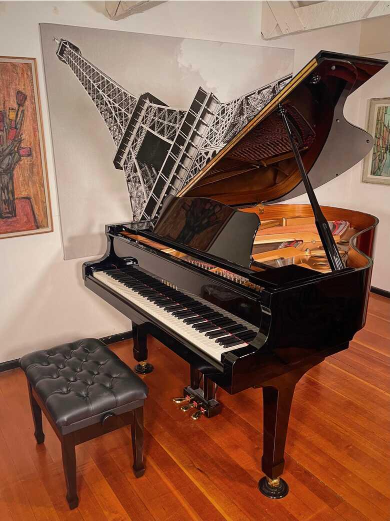 """1998 Yamaha C3 6'1"""" Grand Piano"""