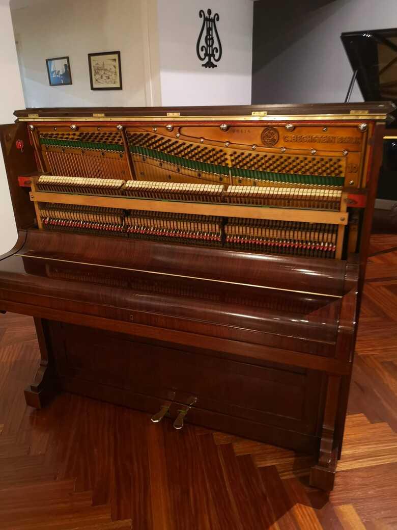 Jorquera Pianos