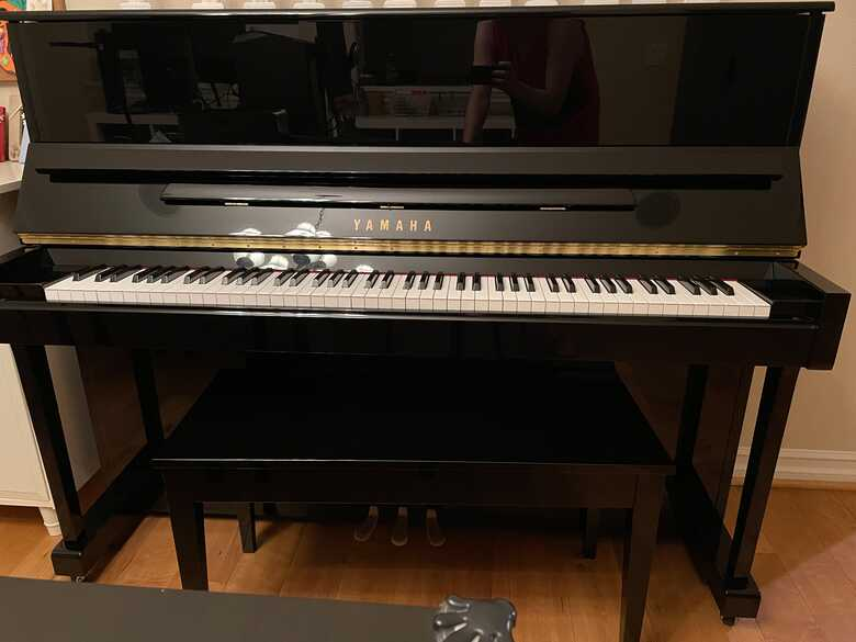 Yamaha T118 PE in excellent condition with bench