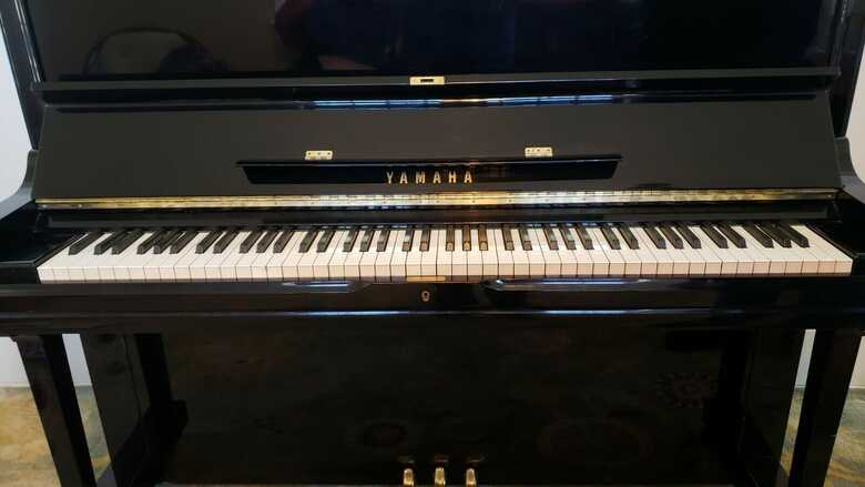 Yamaha U3 Upright Piano - US Market, Made in Japan, High Pol