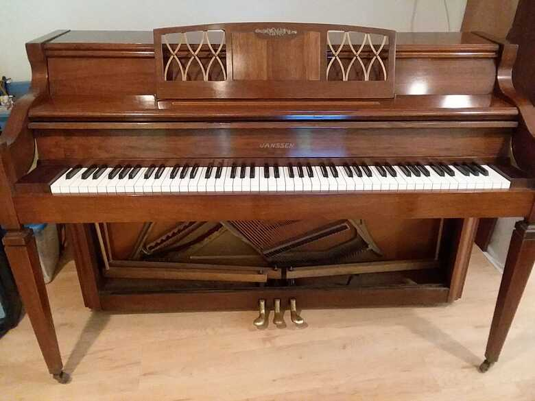 Spinet piano for quick sale (moving)