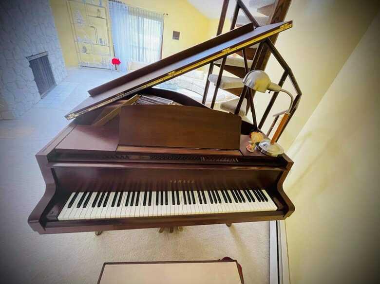 Used Yamaha GH1 Baby Grand Piano