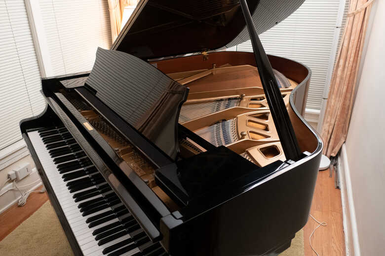 Kawai Grand Piano (1982)