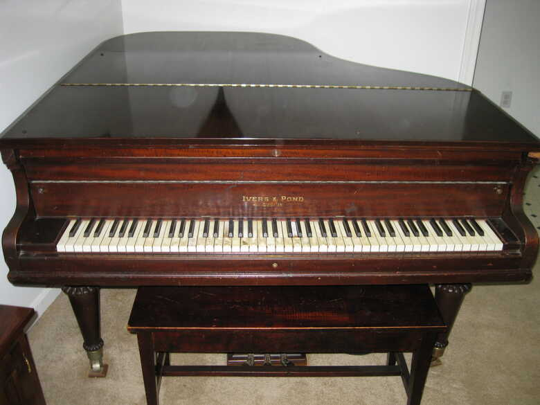1904 IVERS & POND BABY GRAND PIANO