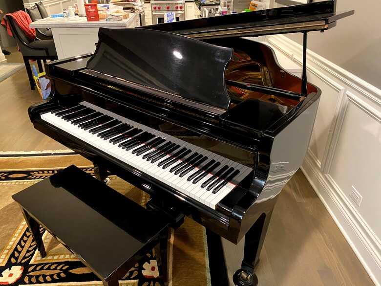 Sojin DG-1E Baby Grand Piano