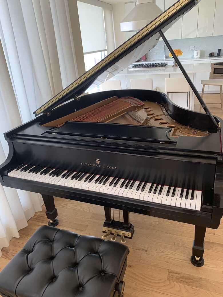 1972 Steinway Grand Piano Model M | Ebony