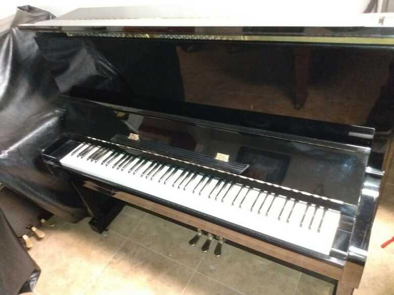 Kawai semi professional 48″ Upright piano