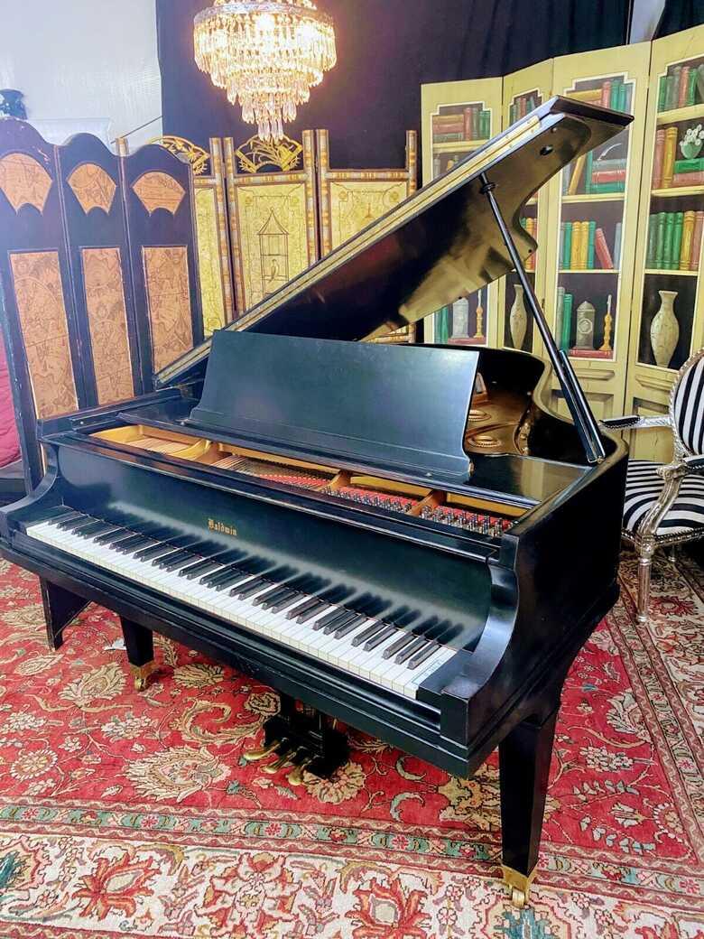 Killer sounding Baldwin Model L grand piano & Steinway bench