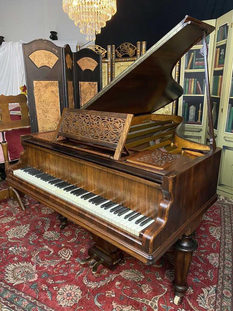 Beautiful Erard grand piano ( free Yamaha key felt cover )