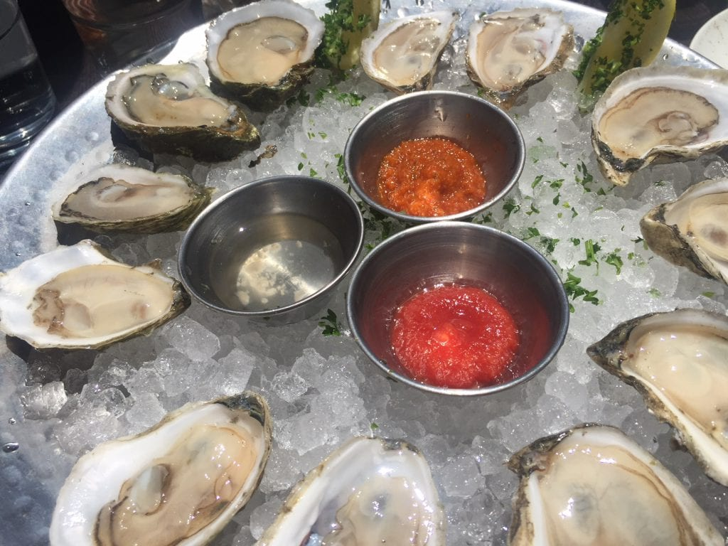 Martha's Vineyard Seafood Restaurants: Fresh Oysters 19 Raw Oyster Bar & Restaurant Edgartown