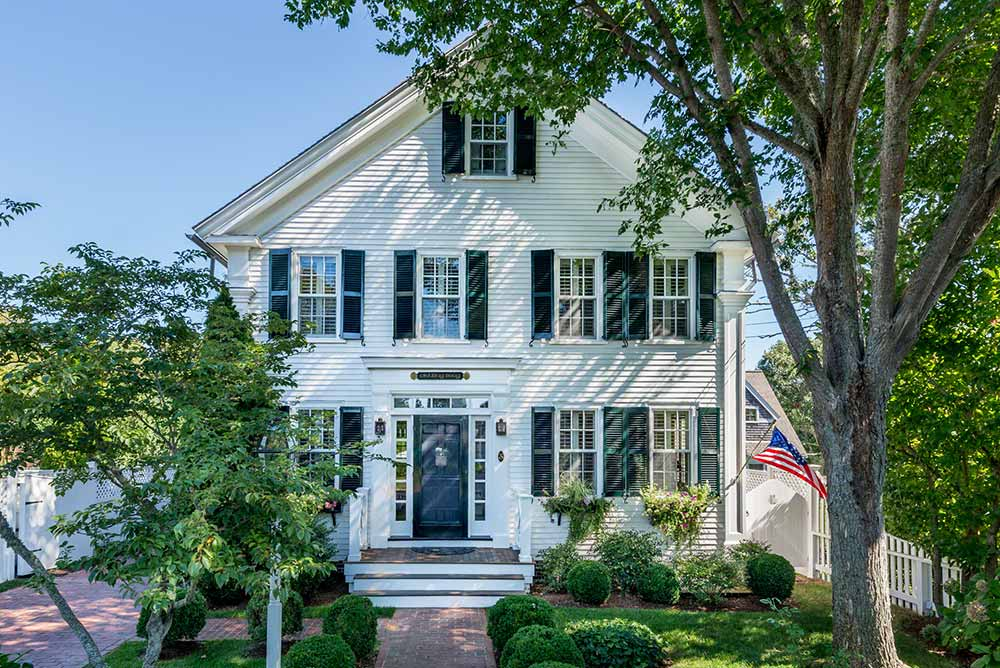 Martha's Vineyard Vacation Rentals Available For Summer 2019 - Book Now Before Martha's Vineyard Ferry Reservations Go On Sale