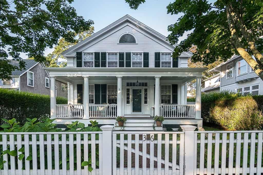Martha's Vineyard Real Estate 2019 For Sale 36 Morse Street Edgartown MA 02539 Details