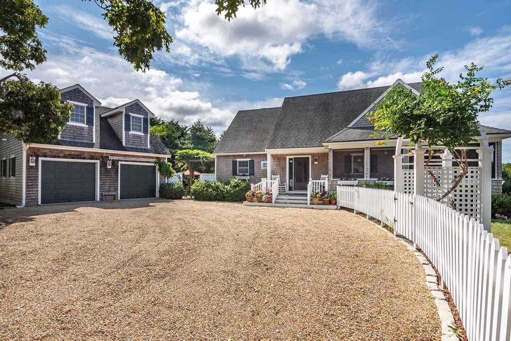 Martha's Vineyard Real Estate 2019 126 Litchefield Road Edgartown MA 02539 Chappy House For Sale