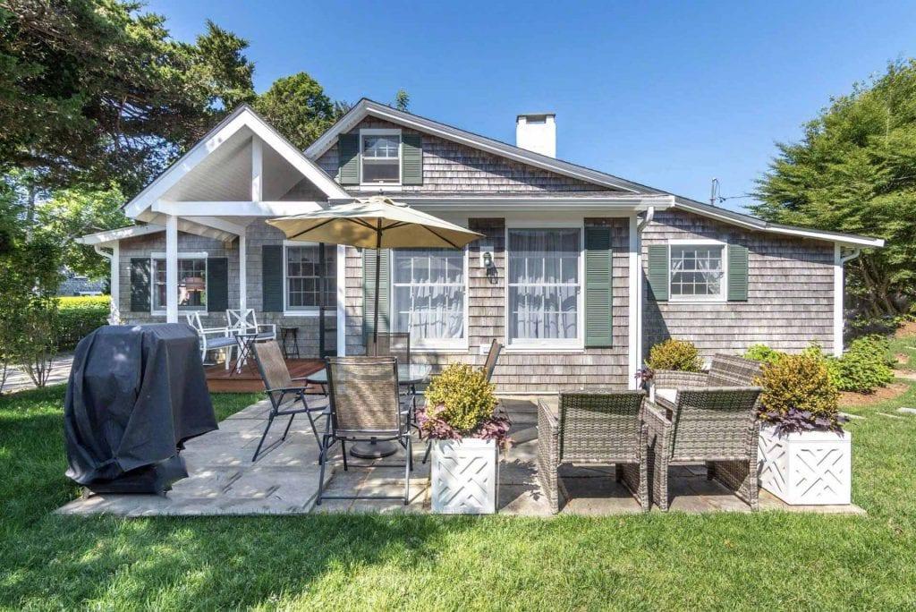 Martha's Vineyard Vacation Rentals With Ferry Tickets Summer 2019 - Quintessential Village Cottage Details