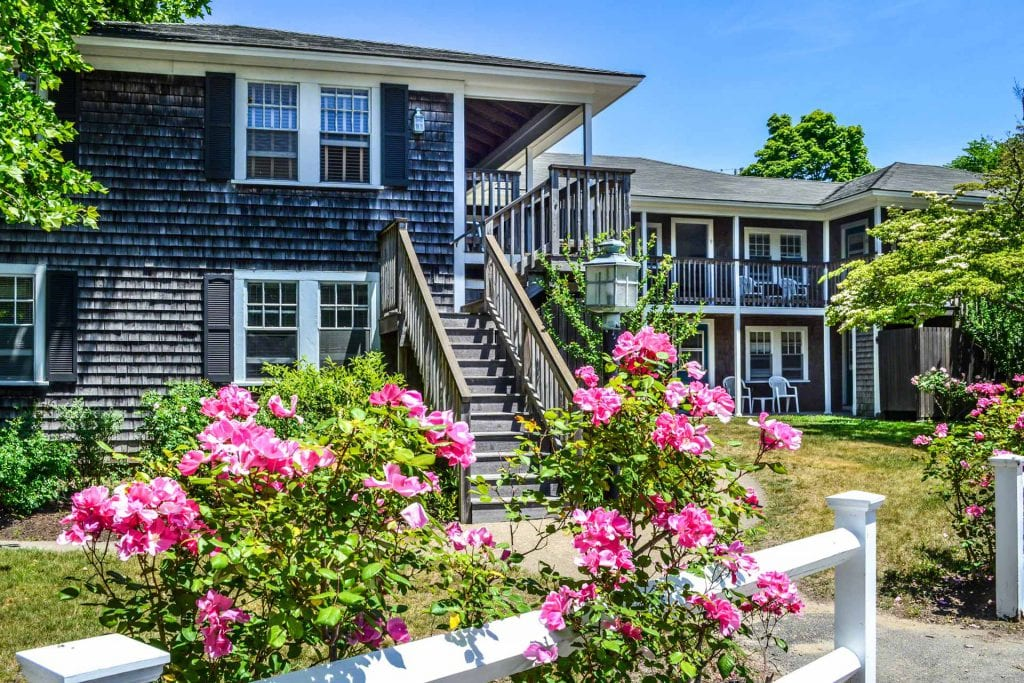 Edgartown Commons Edgartown MA Martha's Vineyard Real Estate For Sale Point B Exclusive