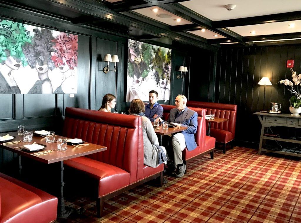 Martha's Vineyard Restaurants Harbor View Hotel Roxana Bar In Edgartown