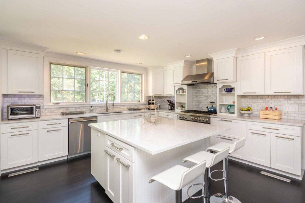 Martha's Vineyard Vacation Rentals Newly Listed Mink Meadows Luxury Getaway With Pool And Beach Point B Realty Exclusive Rental