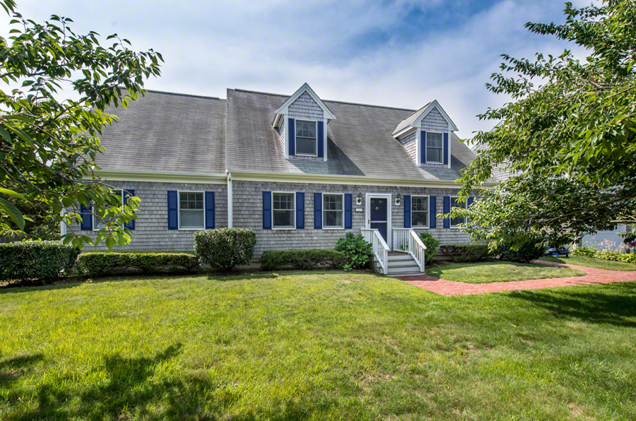 16 Mercier Way Edgartown MA 02539 Martha's Vineyard Home For Sale Point B Realty Exclusive Listing