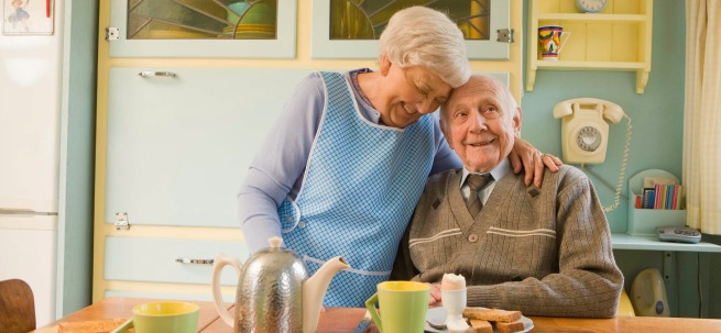 Older couple kitchen hdrsz