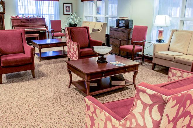 brookdale-cushing-park-2-community-living-room.jpg