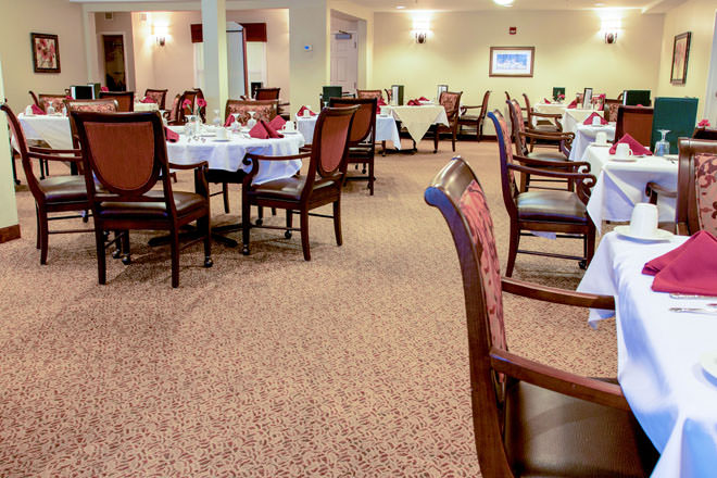 brookdale-cushing-park-3-dining-room.jpg