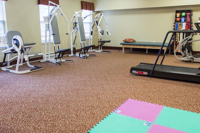brookdale-cushing-park-7-fitness-room.jpg