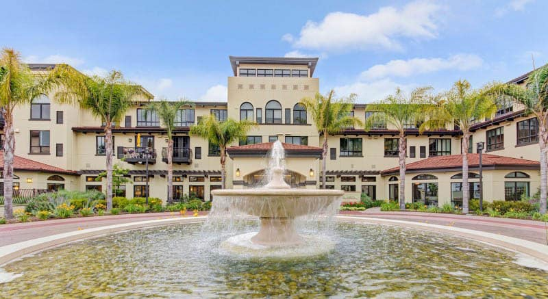 pg-fountain-at-senior-living-in-ca.jpg