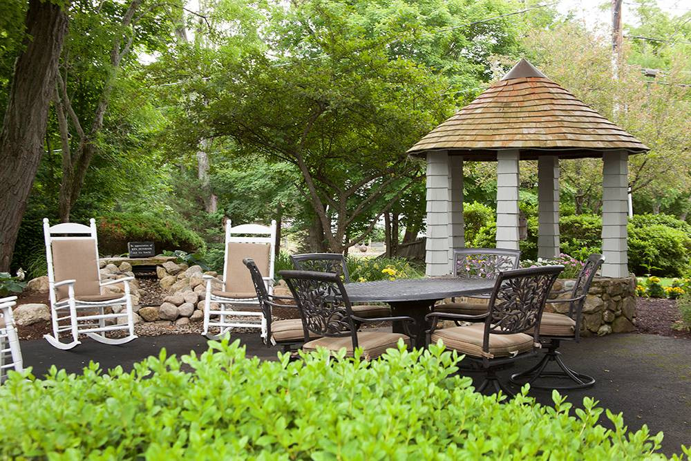 63206_SunriseofWeston_Weston_MA_Gazebo.jpg