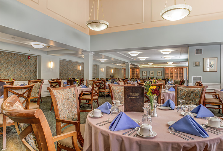 Assisted-Living_-Winchester_-MA_Carousel-_17_.jpg