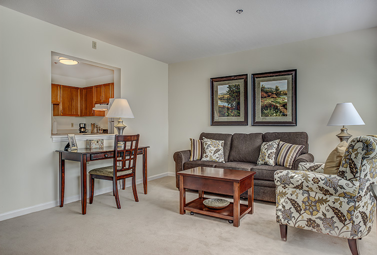Assisted-Living_-Winchester_-MA_Carousel-_5_.jpg