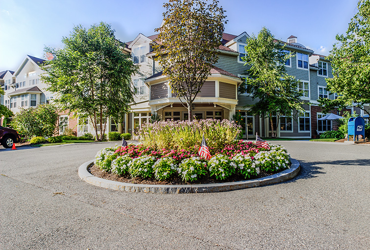 Assisted-Living_-Winchester_-MA_Carousel-_23_.jpg