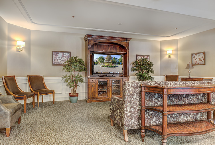 Assisted-Living_-Winchester_-MA_Carousel-_19_.jpg
