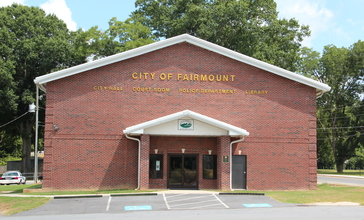 Fairmount__Georgia_City_Hall.JPG