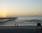 Morning_Jacksonville_Beach_pier_-_panoramio.jpg