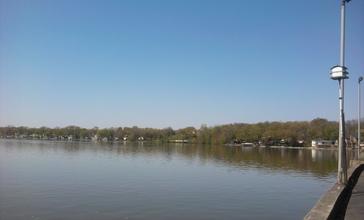 Cedar_Lake_looking_west.jpg