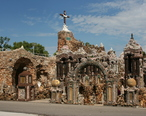 Grotto_of_the_Redemption_South.jpg