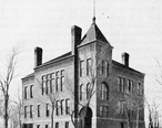 Courthouse_in_Spirit_Lake__Iowa__1902_.jpg