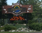 Minocqua_Wisconsin_Welcome_Sign.jpg
