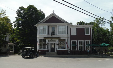 Old_Chatham_Country_Store.jpg