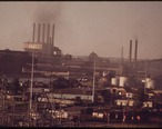 DEARBORN_SKYLINE._FORD_RIVER_ROUGE_PLANT_IN_BACKGROUND_-_NARA_-_549710.jpg