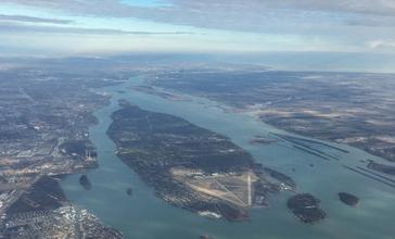 Grosse_Ile_Michigan_aerial_Jan2016.jpg