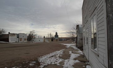 Downtown_Vivian_South_Dakota_12-01-2010.jpg