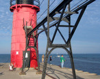 South_Haven_South_Pier_Lighthouse_from_NE.jpg