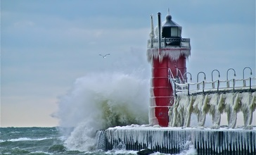 South_Pier_Lighthouse_at_South_Haven__MI.jpg